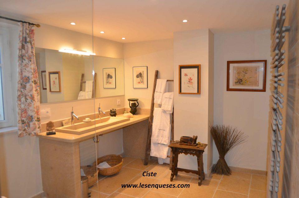 Salle de bains de la chambre Ciste